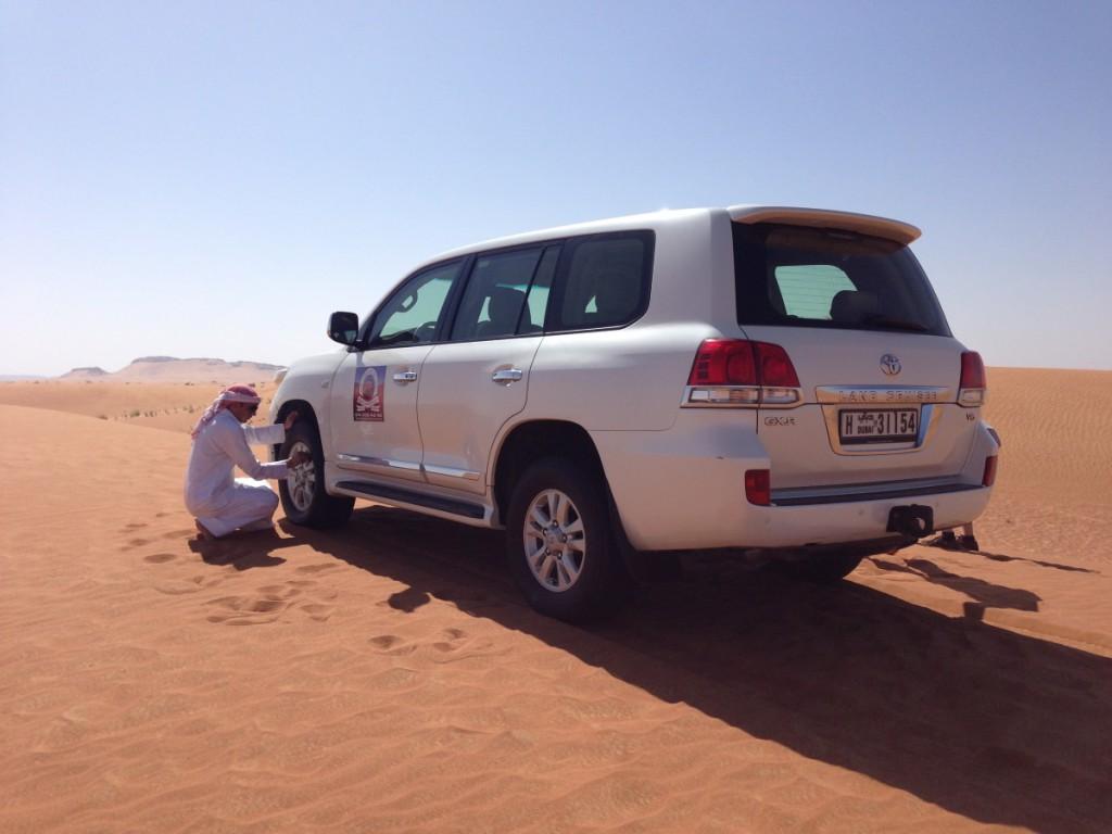 Reifen-Luftdruck Senkung in der Wüste