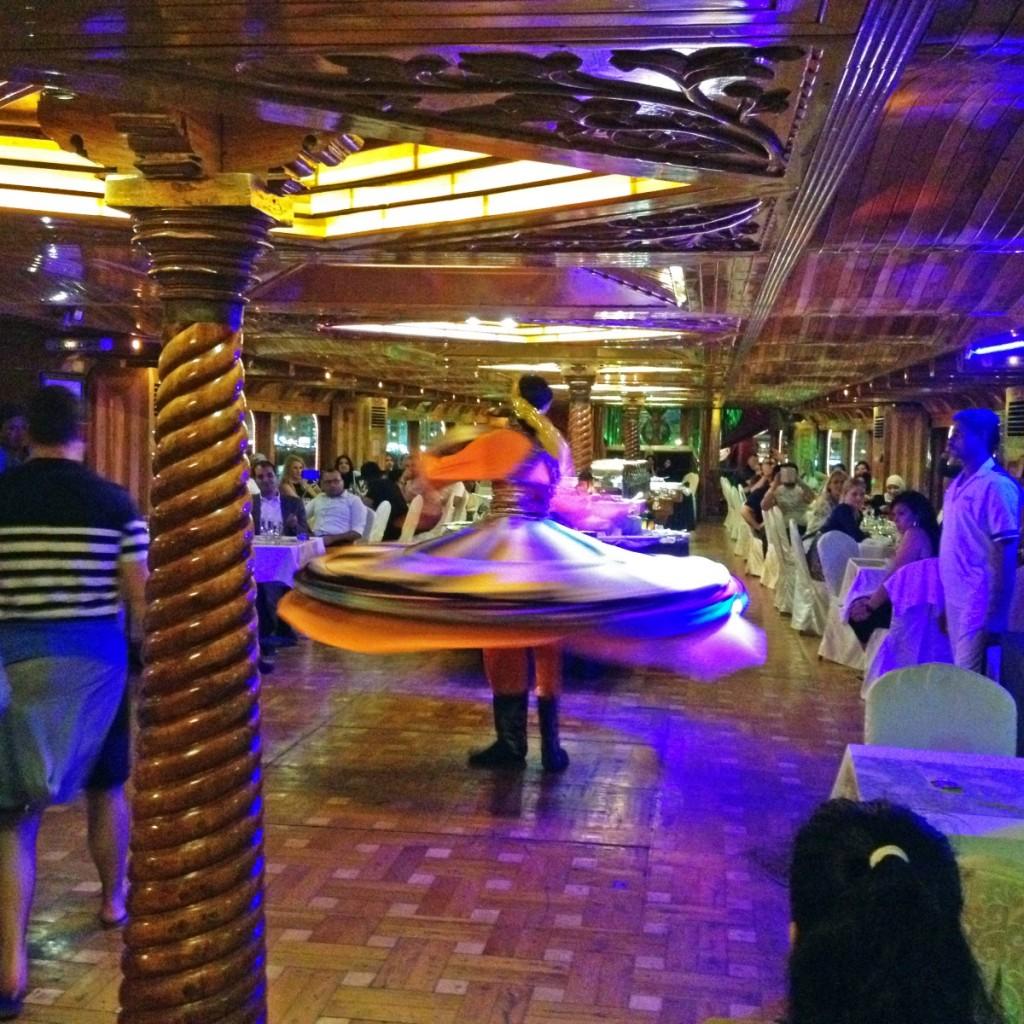 traditioneller arabischer Tanz, Kreuzfahrt