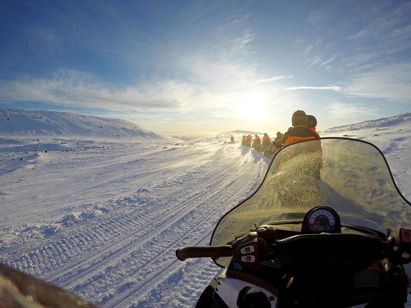 Fahrt mit isländischem Schneemobil