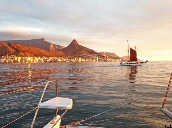 Kapstadt Sunset Cruise (Sonnenuntergangs Kreuzfahrt)